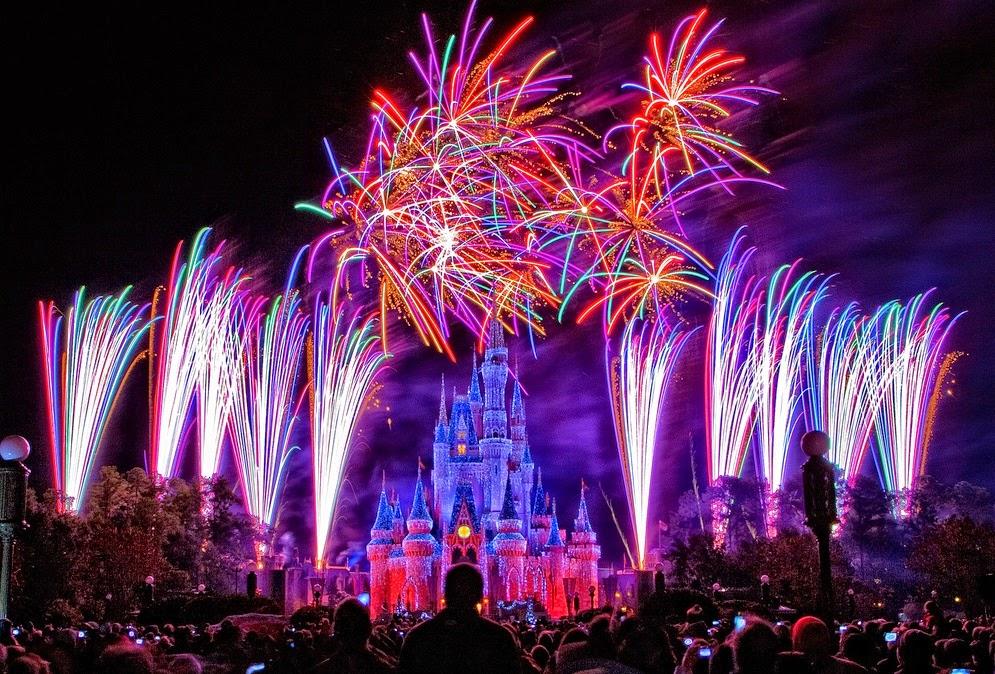 Parque Magic Kingdom da Disney Orlando: show de fogos de artifício