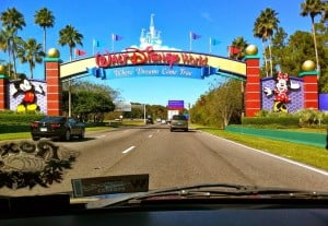 Como alugar um carro bem barato em Orlando: entrada em Walt Disney World