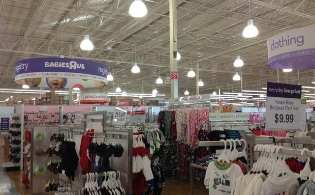 """Melhores lojas para o enxoval do bebê em Orlando: loja Babies """"R"""" Us"""