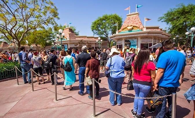 Comprando os ingressos lá na Disney