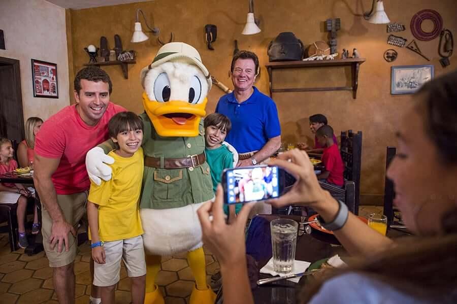 Restaurante Tusker House na Disney: personagens