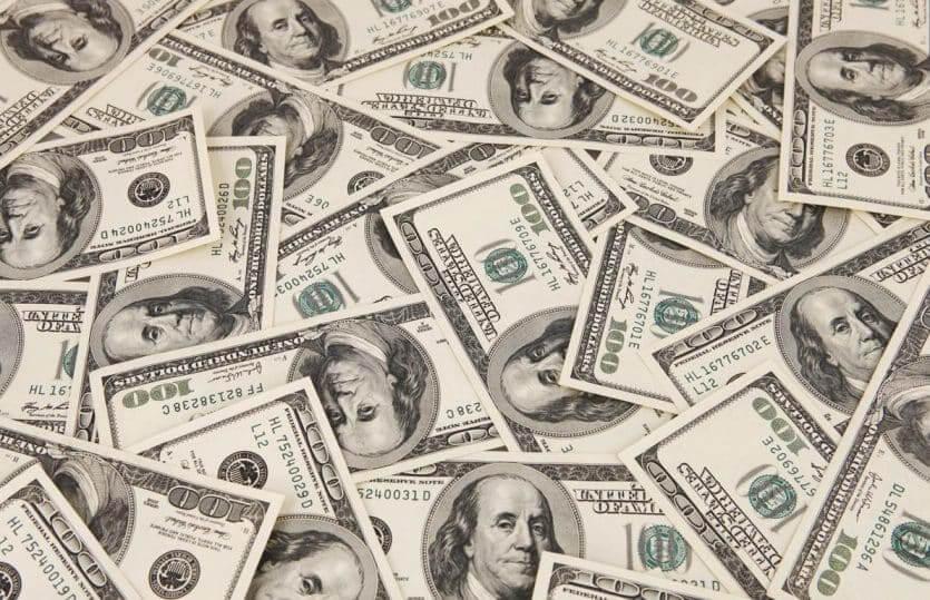 Notas de 100 dólares em Orlando