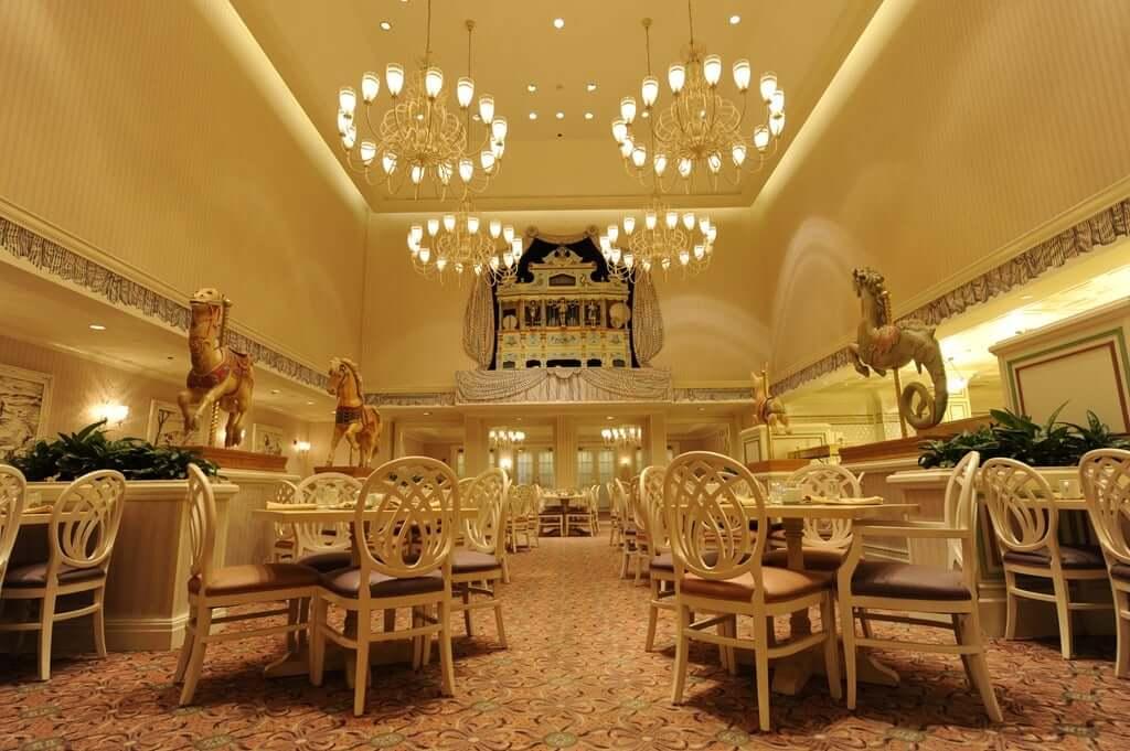 Salão do restaurante 1900 Park Fare da Disney Orlando