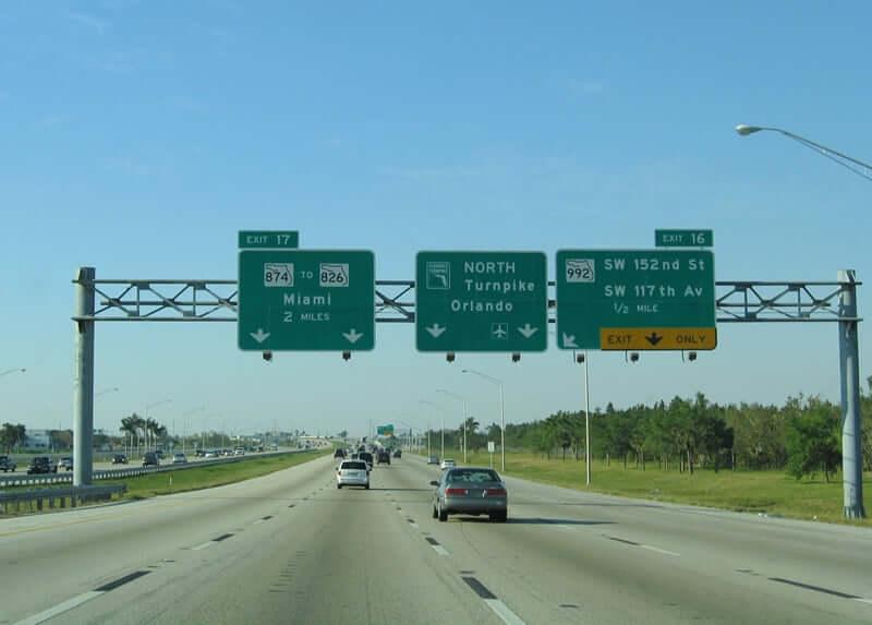 Viagem de carro de Orlando a Miami: Turnpike Road