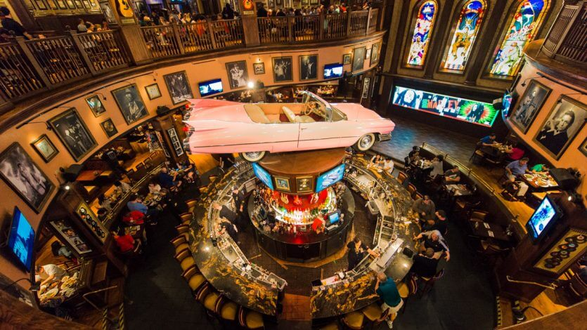 Restaurante Hard Rock Cafe em Orlando por dentro