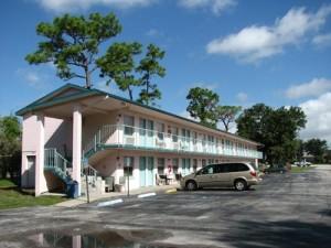 palm-lakefront-resort