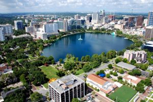 7 destaquesem Downtown Orlando: Lake Eola Park