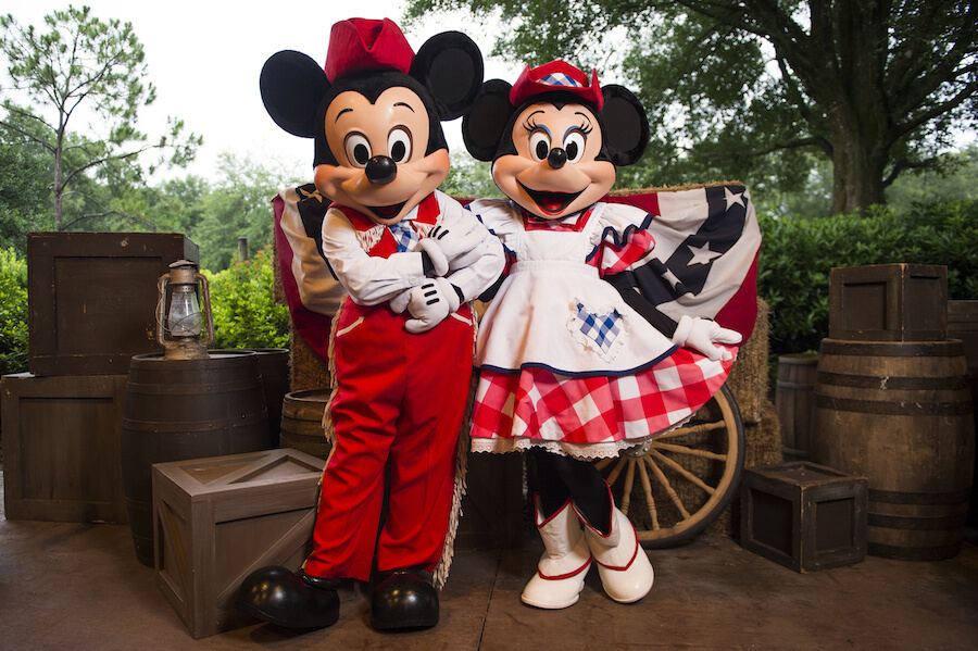 Restaurante Disney Mickey's Backyard BBQ Orlando