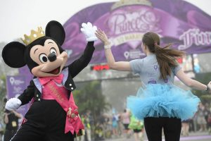Disney-Princess-Half-Marathon-Mickey