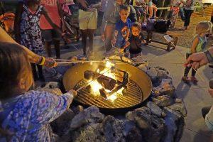 7 atrações noturnas no Walt Disney World Orlando: Chip 'n' Dale's Campfire Sing-A-Long
