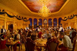 restaurante-be-our-guest-disney-bela-fera