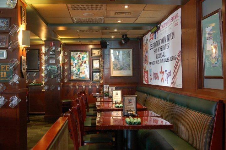 5 restaurantes para comer em Kissimmee: Restaurante Celebration Town Tavern em Kissimmee