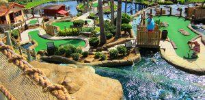 7 lugares legais na International Drive Orlando: Pirate's Cove Adventure Golf