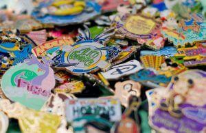 Comprar lembrancinhas nas melhores lojas Disney: Disney's Pin Traders