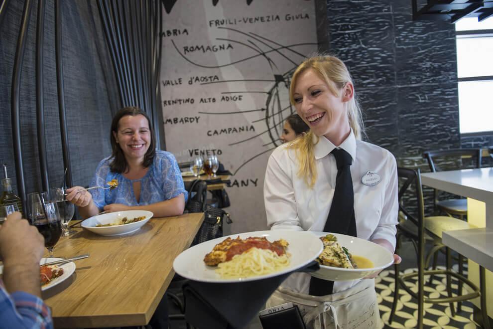 Como trabalhar na Disney em Orlando: restaurantes e garçons