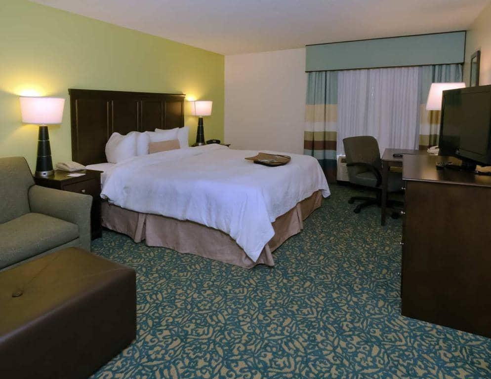 Hotéis bons e baratos em Miami: Hotel Hampton Inn & Suites Miami-Doral/Dolphin Mall - quarto