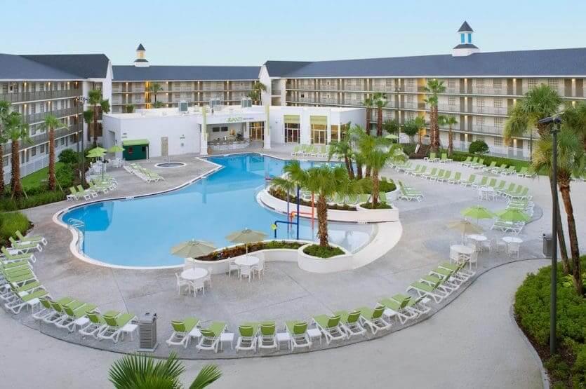 Hotéis com atendimento em português em Orlando: hotel Avanti Resort