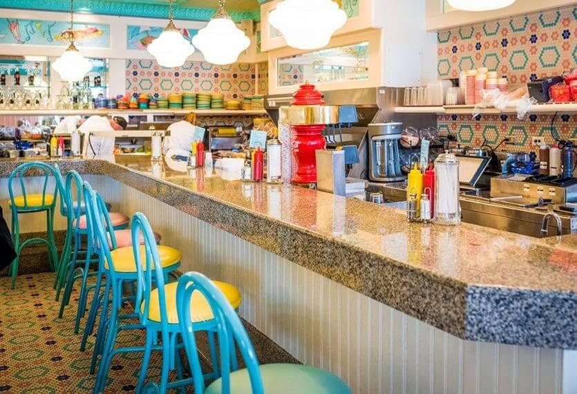 Disney's Yacht Club Resort: Beaches & Cream Soda Shop