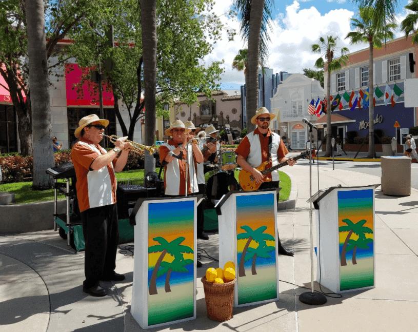 Shows, paradas e apresentações no parque Universal Studios em Orlando: Studio Brass Band