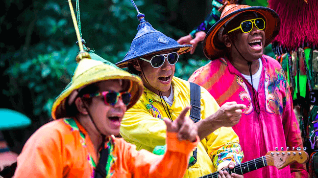 Shows, paradas e apresentações no parque Disney Animal Kingdom Orlando: Viva Gaya Street Band!