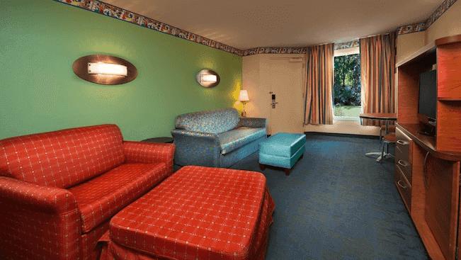 Hotel Disney All-Star Music em Orlando: sala da suíte familiar